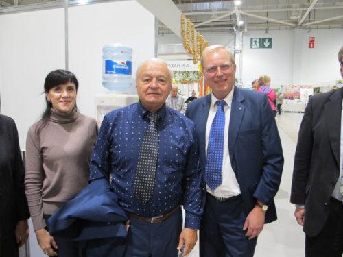 Kuban-AKKOR:n puheenjohtaja Viktor Sergeev ja Sami Karhu Pellervo-solmioissa